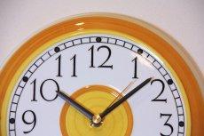 画像2: ビンテージ時計/Rorstrand/ロールストランド/壁掛け時計/サークル/イエロー (2)