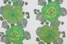 画像1: 北欧ヴィンテージファブリック グリーン大花柄×白ベース  (1)