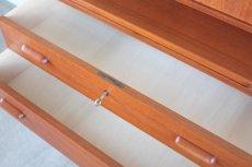 画像7: 北欧ビンテージ家具/デンマーク製/チークライティングビューロー/3段引き出し/鏡付き (7)