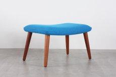 画像1: 北欧ビンテージ家具/デンマーク製/木製スツールもしくはオットマン/チーク×ブルーファブリック (1)