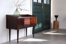 画像2: 北欧ビンテージ家具/デンマーク/ロースウッド/ミニサイドボード (2)