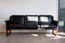 画像3: ビンテージ北欧家具/Søborg Møbelfabrik/革張り/ローズウッド/3人掛けソファー/ダウンクッション (3)