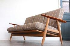 画像2: ビンテージ北欧家具/ハンス J ウェグナー/GE240/3人掛けソファー/チーク✕オーク/ASK (2)