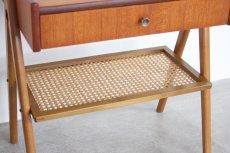 画像7: 北欧ビンテージ家具/スウェーデン/チーク×ビーチ/ベッドサイドテーブル+籐棚 (7)