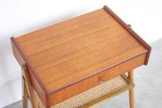 画像8: 北欧ビンテージ家具/スウェーデン/チーク×ビーチ/ベッドサイドテーブル+籐棚 (8)