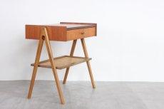 画像2: 北欧ビンテージ家具/スウェーデン/チーク×ビーチ/ベッドサイドテーブル+籐棚 (2)