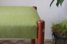 画像3: 北欧ビンテージ家具/北欧スウェーデン/木製スツールもしくはオットマン/チーク×グリーンファブリック (3)