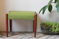画像1: 北欧ビンテージ家具/北欧スウェーデン/木製スツールもしくはオットマン/チーク×グリーンファブリック (1)