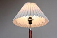 画像3: ビンテージ北欧照明/デンマーク製/フロアスタンドライト/ローズウッド/ジャバラシェード (3)