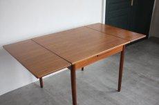 画像4: 北欧ビンテージ家具/デンマーク製/正方形チークダイニングテーブル  (4)