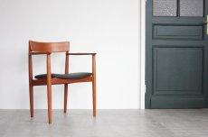画像1: 北欧ビンテージ家具/デンマーク製/Henry Rosengren Hansen /カンファレンスチェア/チーク アーム付き (1)