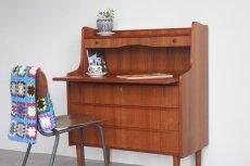 画像2: 北欧ビンテージ家具/デンマーク製 チークライティングビューロー/3段引き出し (2)