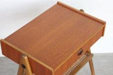 画像5: 北欧ビンテージ家具/スウェーデン/チーク×ビーチ/ベッドサイドテーブル+籐棚 (5)