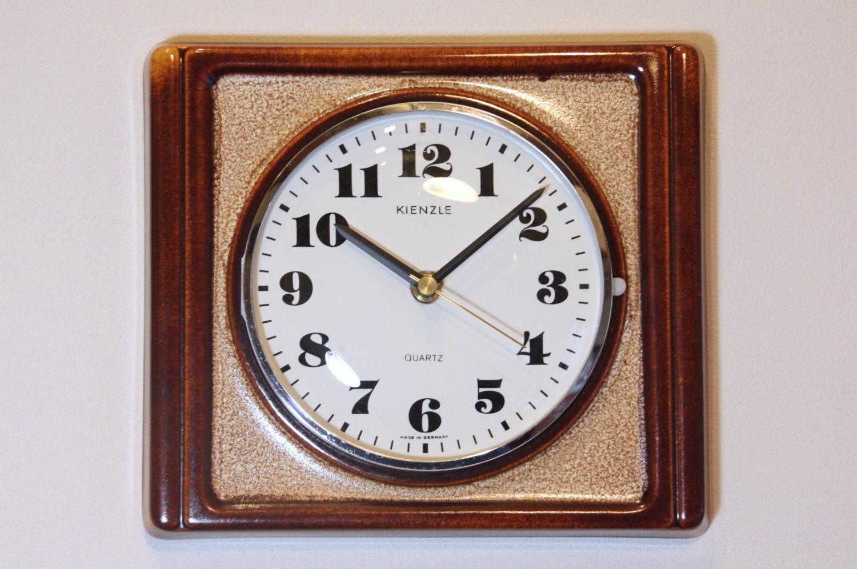 画像1: ビンテージ陶製壁掛け時計/ビンテージ時計/KIENZLE製 /ドイツ/ブラウン (1)