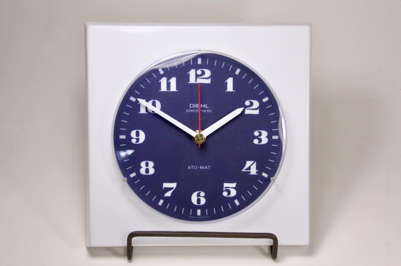 画像1: ビンテージ/壁掛け時計/Diehl製/ドイツ/プラスチック/ホワイト&ネイビー (1)