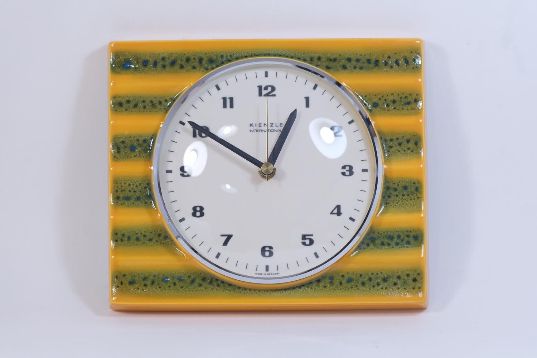 画像1: ビンテージ陶製壁掛け時計/Kienzle製/ドイツ/イエローボーダー/新しいムーブメント交換済み (1)