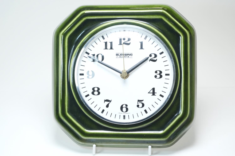 画像1: ビンテージ陶製壁掛け時計/Blessing/ドイツ/ダークグリーン/新しいムーブメント交換済み (1)