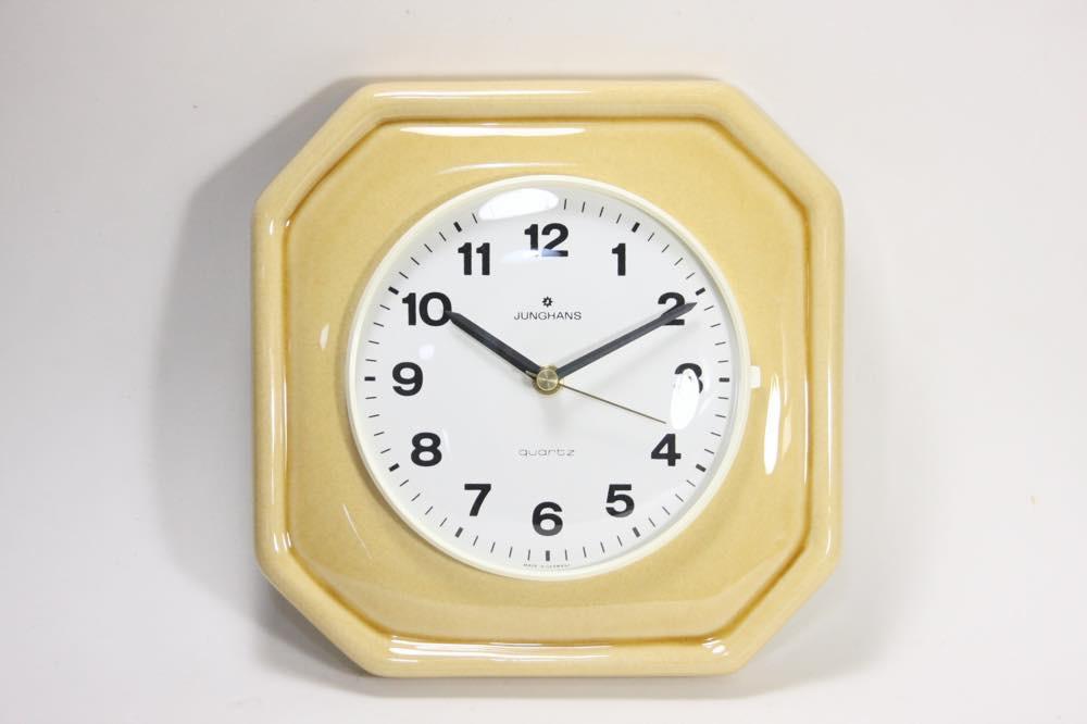 画像1: ビンテージ陶製壁掛け時計/Junghans製/ユンハンス/ドイツ/クリームイエロー (1)