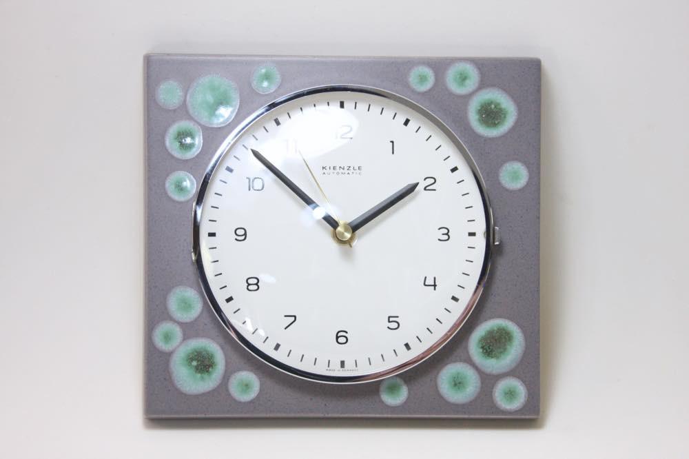 画像1: ビンテージ陶製壁掛け時計/KIENZLE製 /ドイツ/グレイ&グリーンドット (1)