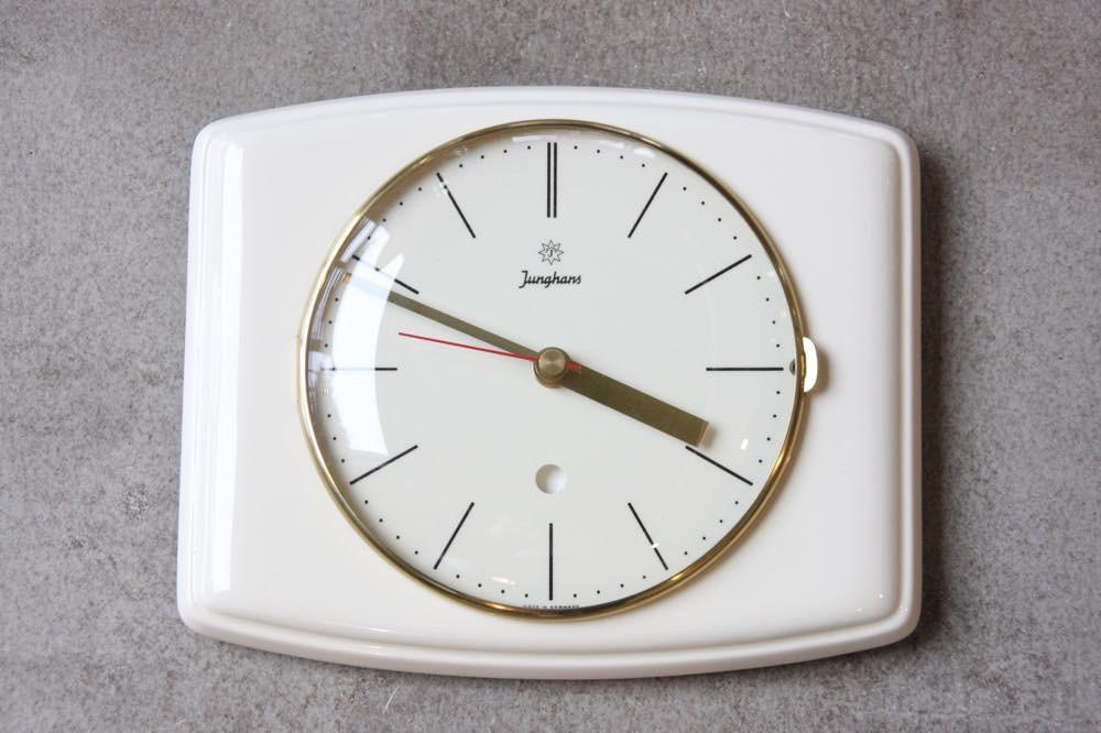 画像1: ヴィンテージ陶製壁掛け時計/Junghans製/ユンハンス/ドイツ/ホワイト (1)