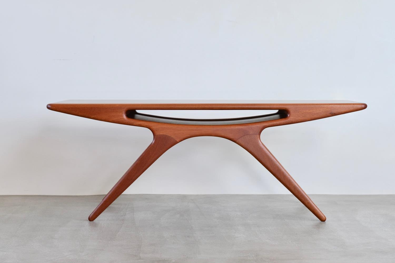 画像1: 北欧ビンテージ家具/デンマーク製/ヨハネス・アンダーセン/スマイルテーブル  (1)