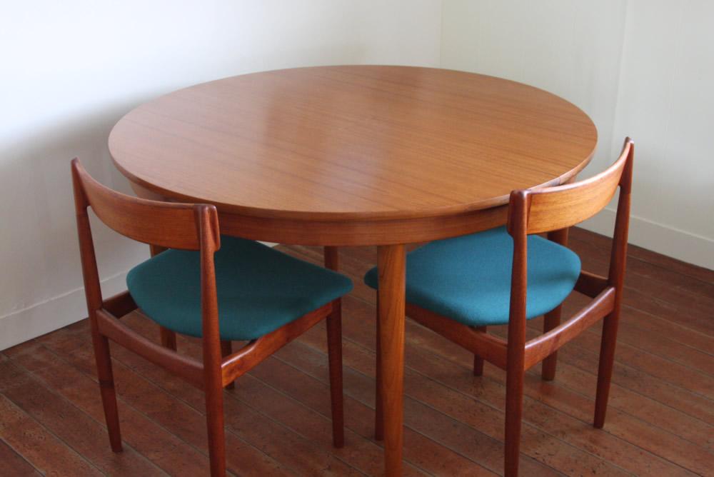画像1: 北欧ヴィンテージ/デンマーク製  ダイニング テーブル 円形 エクステンション2枚付き (1)