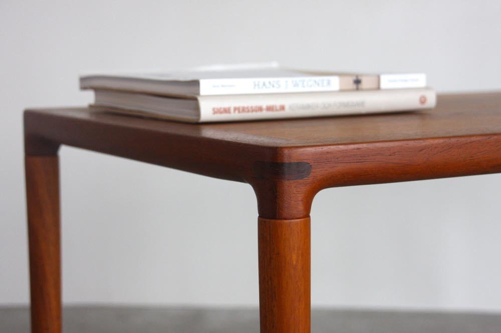 画像1: 北欧ビンテージ家具/デンマーク家具/ チーク/サイドテーブル  (1)