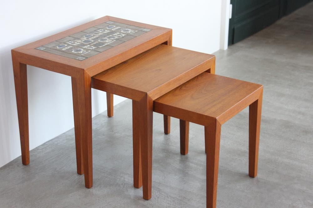 画像1: 北欧ビンテージ家具/デンマーク/ロイヤルコペンハーゲン/ネストテーブル/タイルトップ (1)