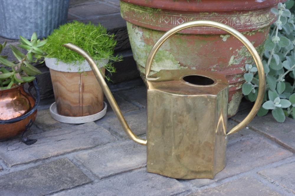 画像1: スウェーデン/ブラス(真鍮)のヴィンテージ水差し/細口ジョーロ (1)