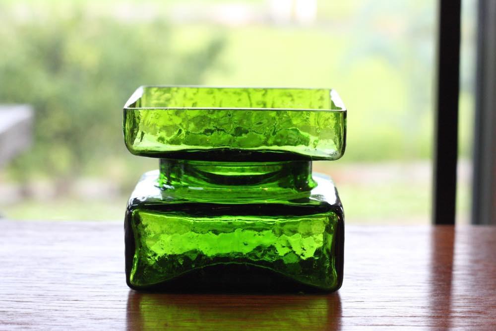 画像1: ビンテージ北欧ガラス/Riihimaen Lasi/Palaシリーズ/花瓶/グリーン/Mサイズ (1)