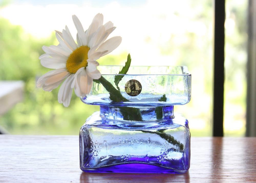 画像1: ビンテージ北欧ガラス/Riihimaen Lasi/Palaシリーズ/花瓶/ブルー/Mサイズ (1)