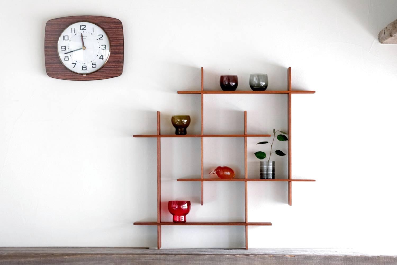 画像1: 北欧ビンテージインテリア雑貨/チーク/壁掛け飾り棚/スクエアー  (1)