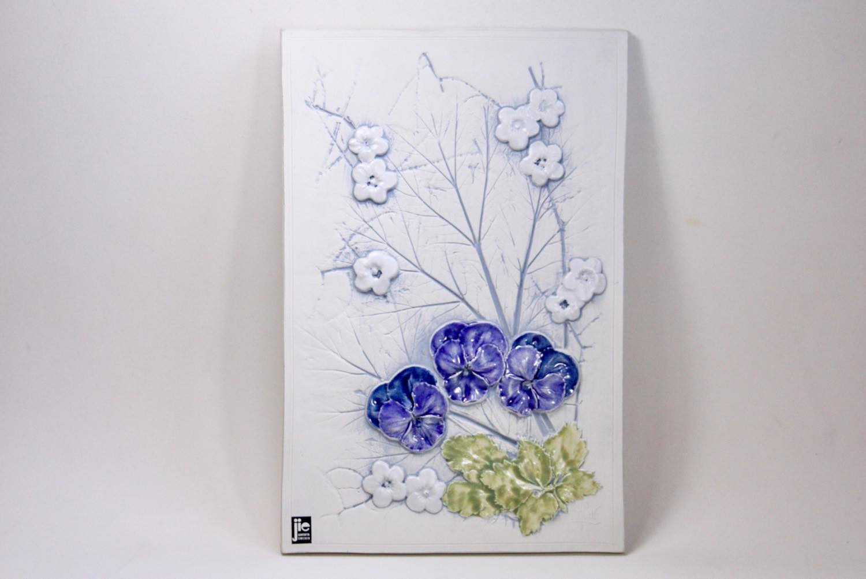 画像1: Jie  gantofta/ジイ・ガントフタ /陶板の壁掛け/Aimo Nietosvuori/ホワイト/ビオラ (1)