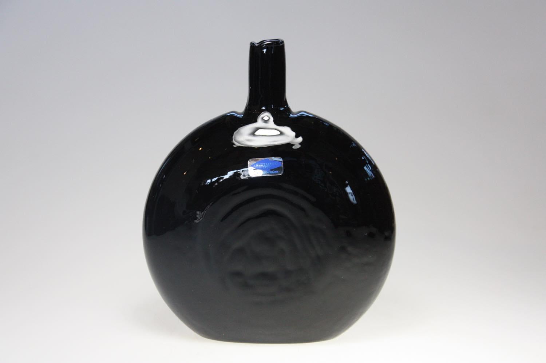 画像1: 北欧ガラス/Oiva Toikka/オイバ・トイッカ/Nuutajarvi/ヌータヤルヴィ/MANSIKKAPAIKKA/一輪挿し/ブラック/Lサイズ (1)