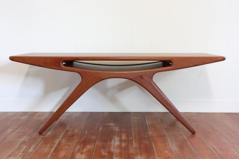 画像1: 北欧ヴィンテージ家具/デンマーク製 ヨハネス・アンダーセン スマイルテーブル  (1)