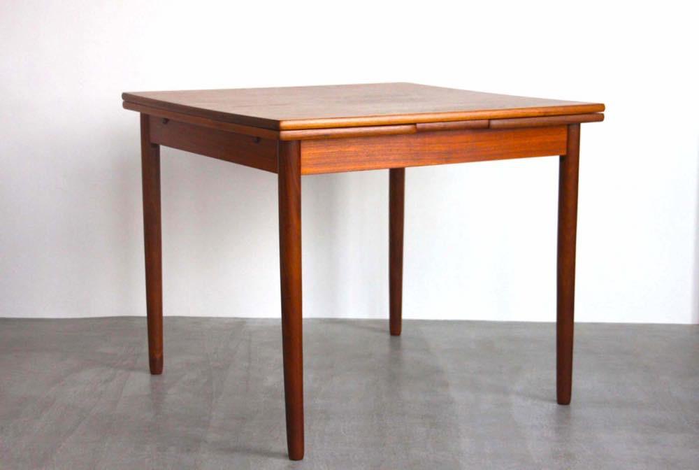 画像1: 北欧ビンテージ家具/デンマーク製/正方形チークダイニングテーブル  (1)