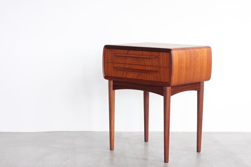画像1: ビンテージ北欧家具/デンマーク製/Johannes Andersen /ヨハネス・アンダーセン/スモールチェスト/チーク (1)