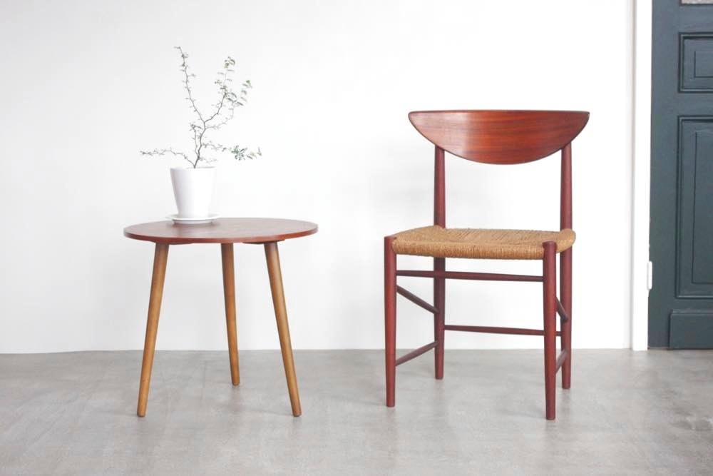 画像1: 北欧ビンテージ家具/デンマーク製/ラウンドサイドテーブル/チーク (1)