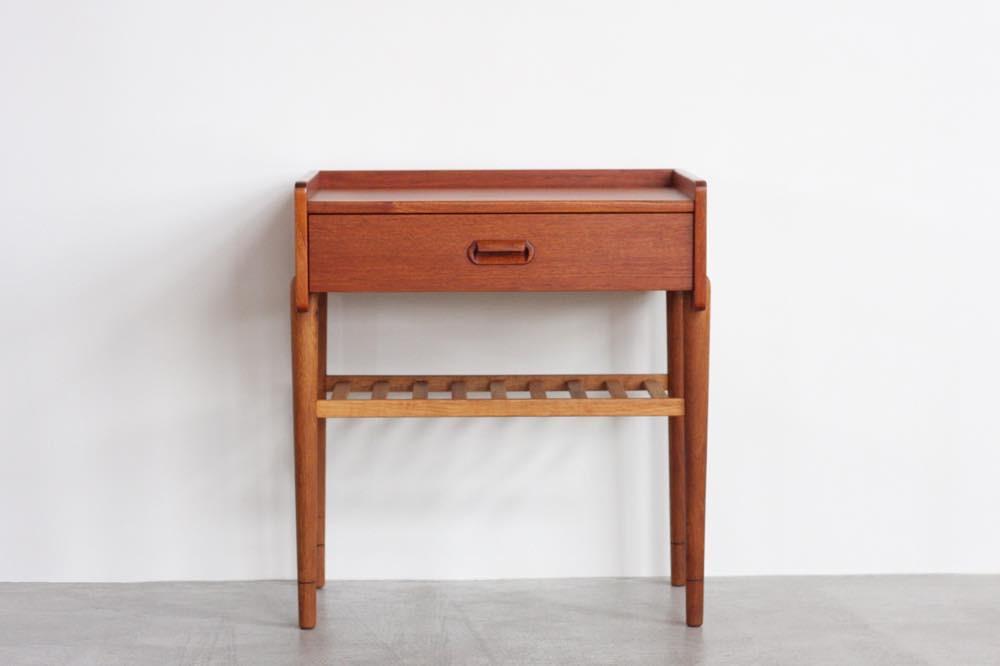 画像1: 北欧ビンテージ家具/デンマーク製/Omann Jun Møbelfabrik/チーク&オークベッドサイドチェスト (1)