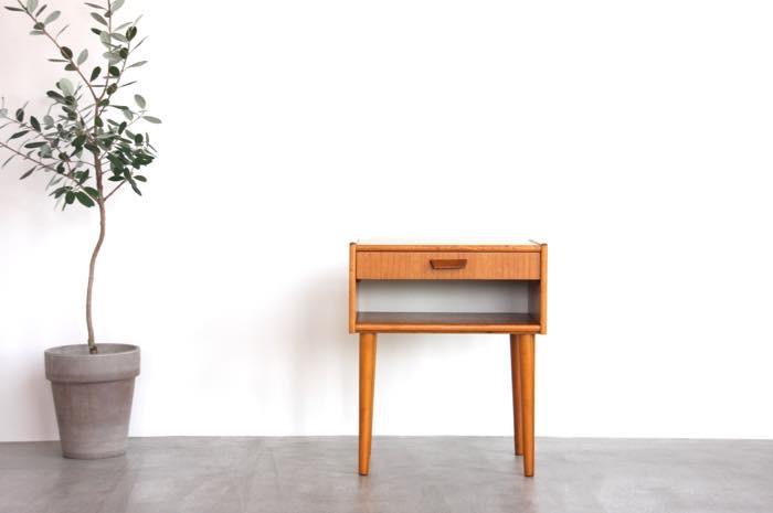 画像1: 北欧ビンテージ家具/スウェーデン/チーク&ビーチ/ベッドサイドテーブル (1)
