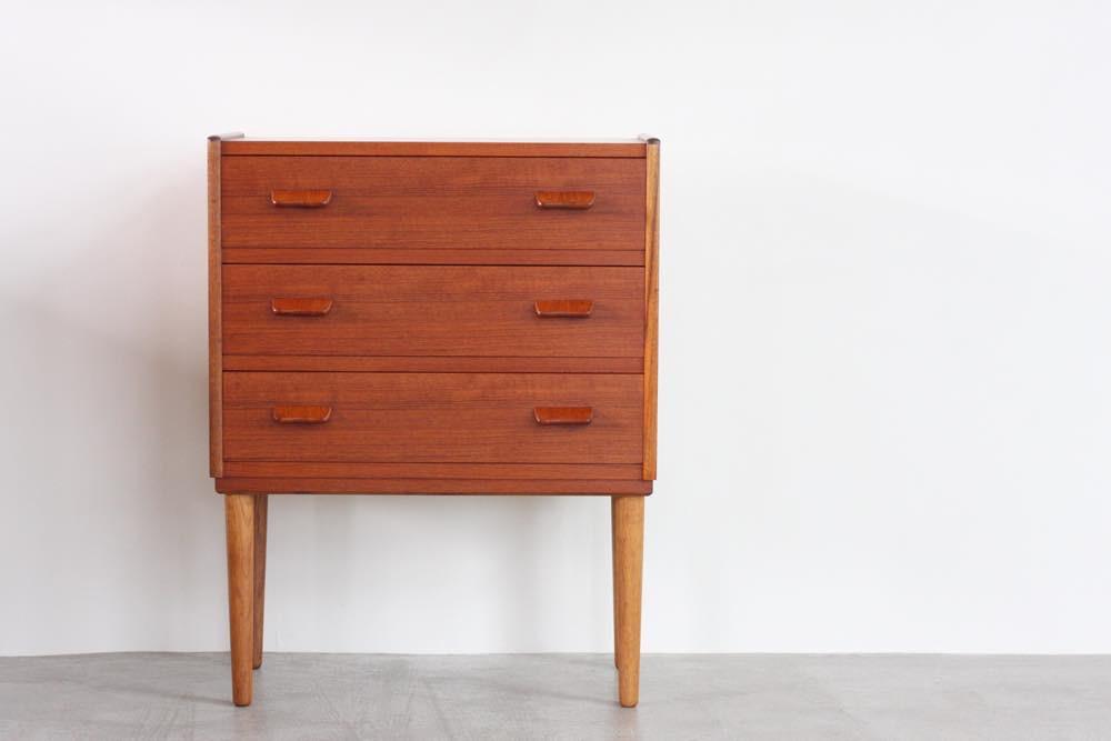 画像1: ビンテージ北欧家具/デンマーク製/エントリーチェスト/ Carl Aage Skov (1)