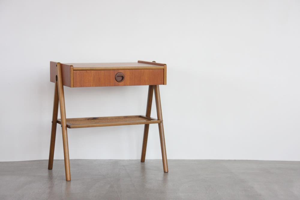 画像1: 北欧ビンテージ家具/スウェーデン/チーク×ビーチ/ベッドサイドテーブル+籐棚 (1)